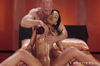 Влажной красотке Honey Gold перепал хардкорный секс