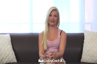 Красотка Alex Little достойно прошла порно кастинг
