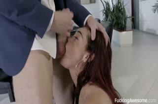Skyla Novea глотает сперму и классно скачет на члене