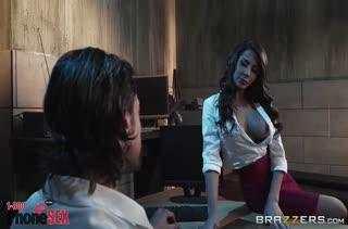 Madison Ivy с большими сиськами показала потрясное порно