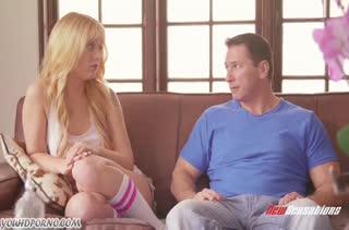 Блондинка с большой жопой круто покаталась на толстом стояке