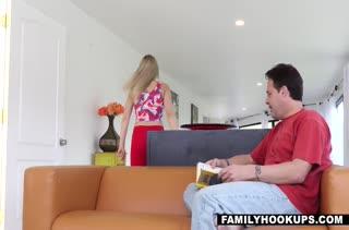 Zoey Monroe делает массаж мужу и потом трахается с ним