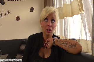 Зрелая Stella Styles легко дала отмашку на порно